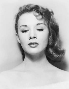 Piper Laurie old